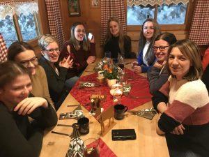 Kommedico Teambuilding bei Nach-Weihnachtsfeier - Hüttengaudi