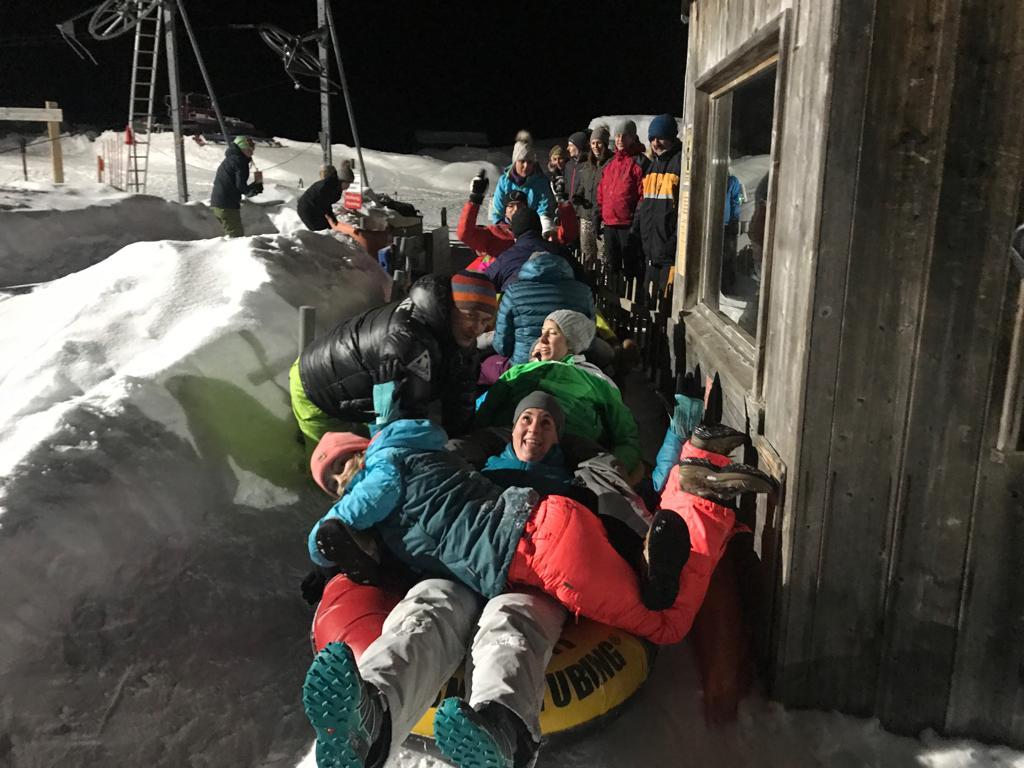 Kommedico Teambuilding bei Nach-Weihnachtsfeier - Snowtubing