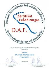 Dr. Sasse erhält Zertifikat Fußchirurgie der D.A.F.