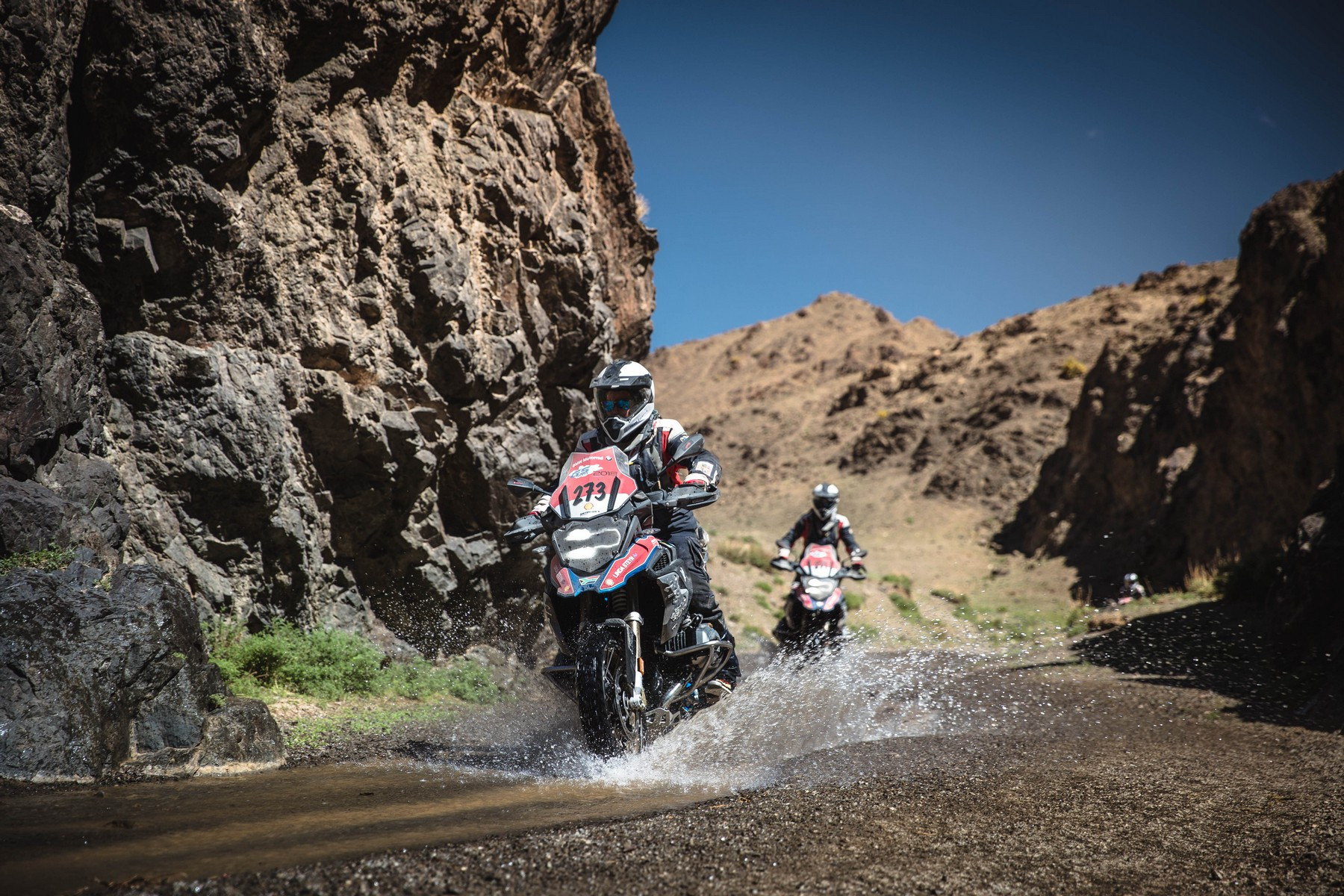 BMW Motorrad International GS Trophy. Zentralasien 2018. Tag 3. Die Schönheit des Canyons.