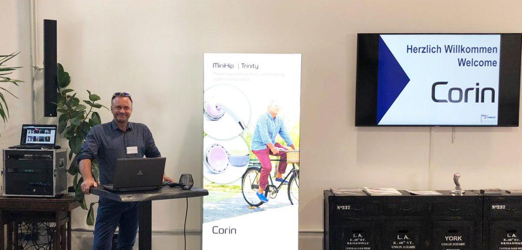Dr. Demhartner DAA-Symposium Corin 2019 - im Vortrag